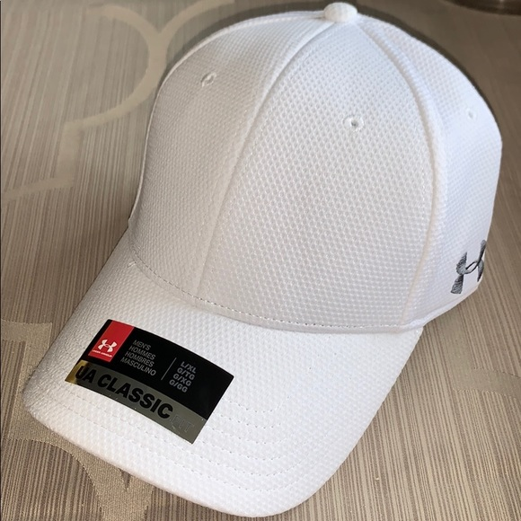 finest selection ead95 5a491 NWT Under armour classic fit hat